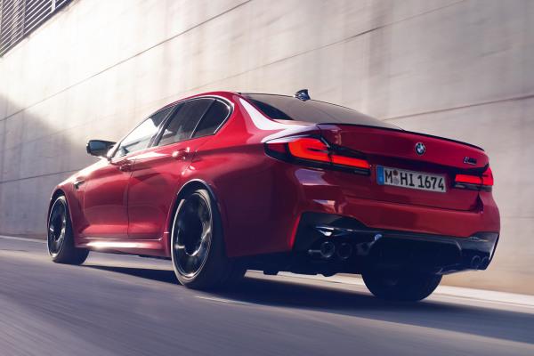 bmw-5-series-sedan-m-highlights-highlight-m5-competition-desktop-02.jpg