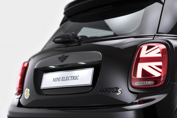 MINI Cooper SE - Black Edition 10.jpg