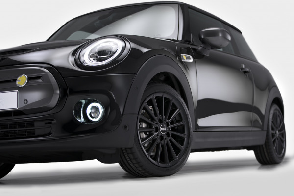 MINI Cooper SE - Black Edition 7.jpg