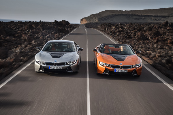 P90285382_highRes_the-new-bmw-i8-roads.jpg