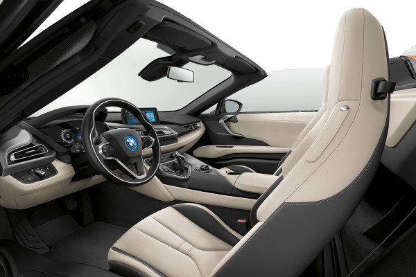 bmw-i8-i8roadster-home-gallery-lines-1920x1080-01-ivory-white-black.jpg.asset.1562918659725.jpg