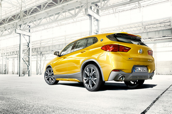 bmw-x-series-x2-highlights-teaser-model-equipment.jpg