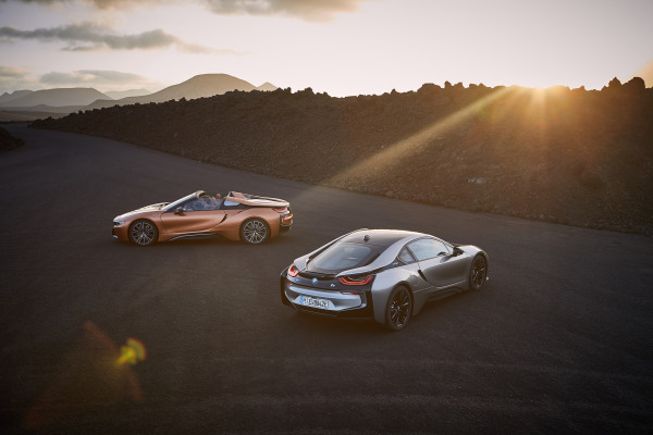 P90285376_highRes_the-new-bmw-i8-roads.jpg