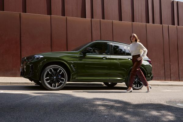 bmw-x3-m-automobiles-onepager-gallery-x3-m40i-m40d-wallpaper-02.jpg