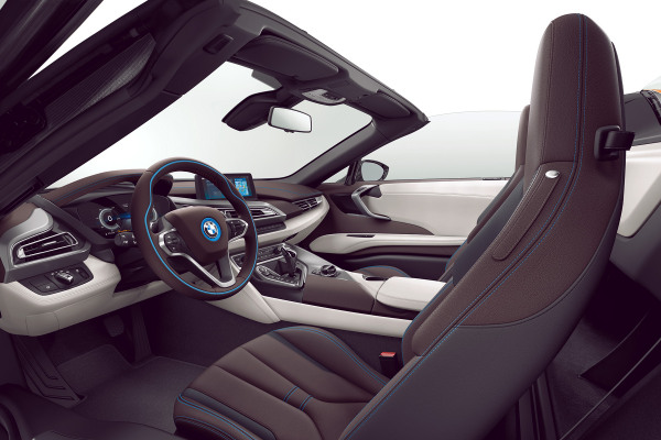 bmw-i8-i8roadster-home-gallery-lines-1920x1080-04-halo-dalbergia-brown.jpg.asset.1510124408750.jpg