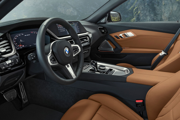 bmw-zseries-z4-highlights-highlight-desktop-tablet-02.jpg
