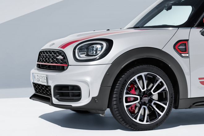 P90390352_highRes_mini-countryman-neut.jpg
