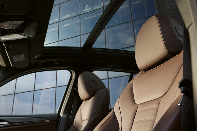 bmw-ix3-onepager-mc-interior-02.jpg