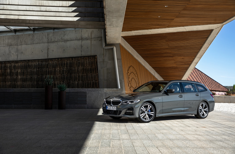 P90352582_highRes_the-new-bmw-3-series.jpg