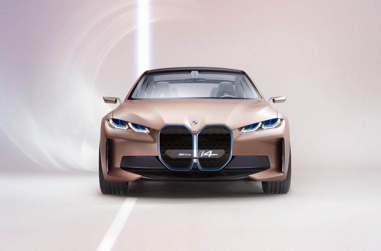 bmw-concept-i4-highlights-mg-exterior-interior-design-desktop-01.jpg