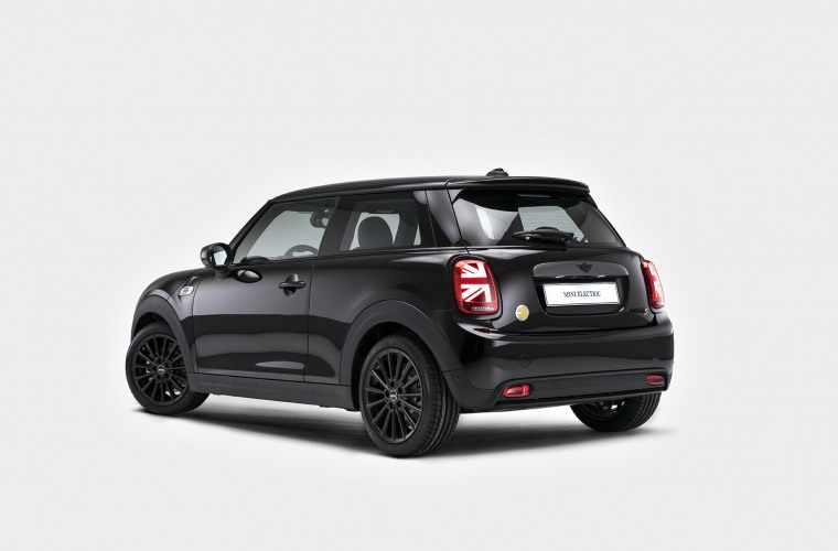 MINI Cooper SE - Black Edition 1.jpg