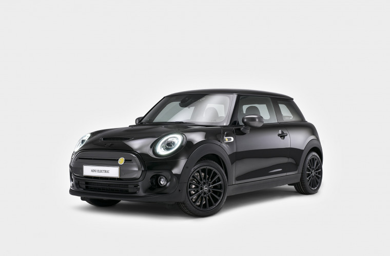MINI Cooper SE - Black Edition 2.jpg