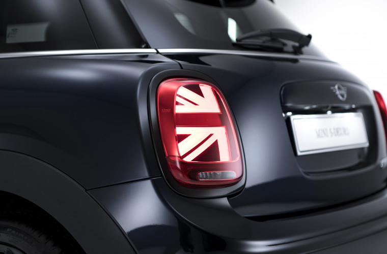 MINI HAMMERSMITH Union jack LED achter V1.jpg