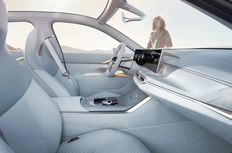bmw-concept-i4-highlights-highlights-desktop-02.jpg