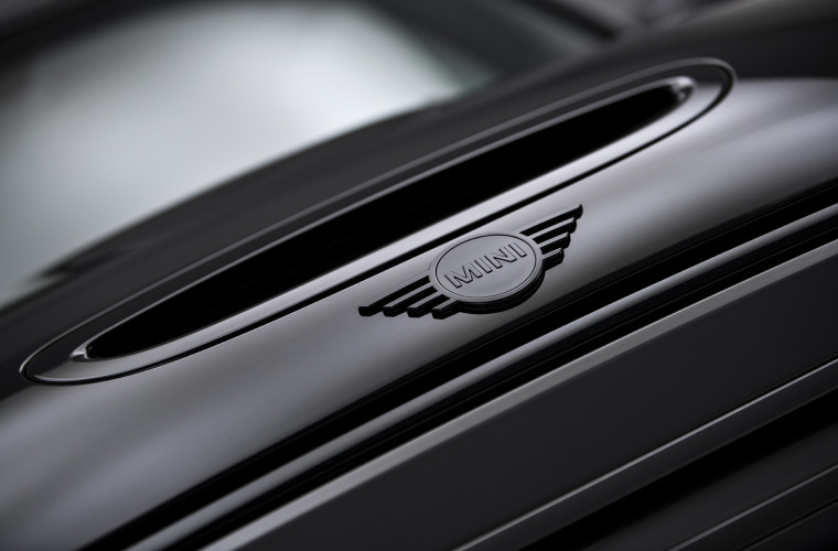 MINI Cooper SE - Black Edition 5.jpg