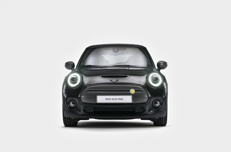 MINI Cooper SE - Black Edition 3.jpg