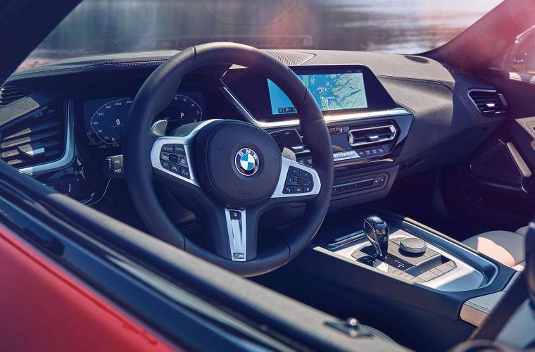 bmw-zseries-z4-inspire-highlight-desktop-tablet-02.jpg