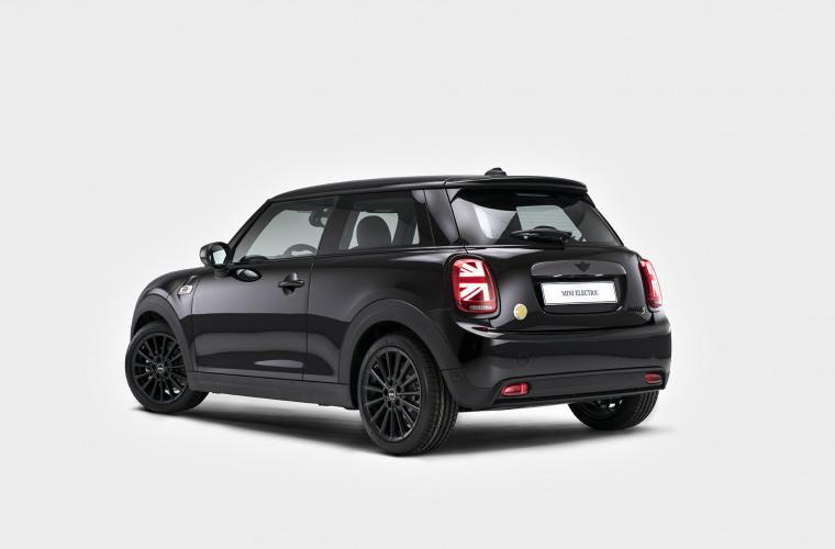MINI Cooper SE - Black Edition 1.jpg