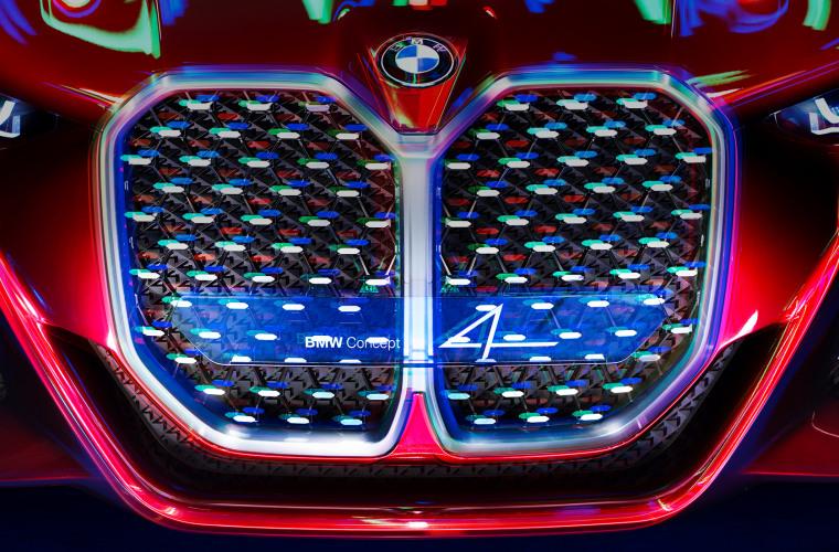 bmw-4series-coupe-cv-inspire-highlight-desktop-01.jpg
