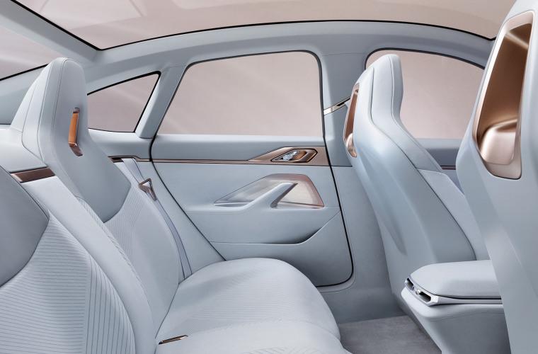 bmw-concept-i4-highlights-mg-exterior-interior-design-desktop-07.jpg