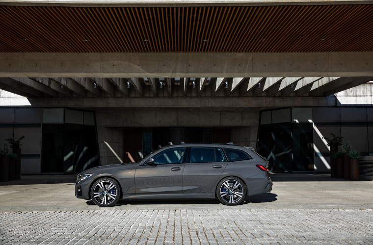 P90352577_highRes_the-new-bmw-3-series.jpg