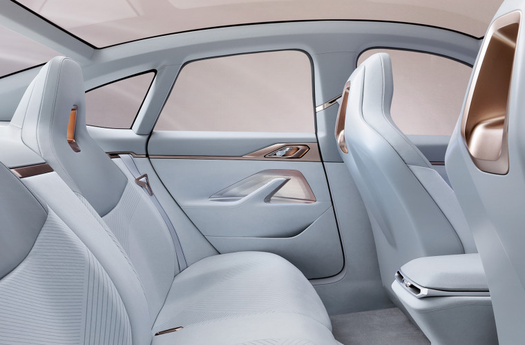 bmw-concept-i4-highlights-mg-exterior-interior-design-desktop-07.jpg