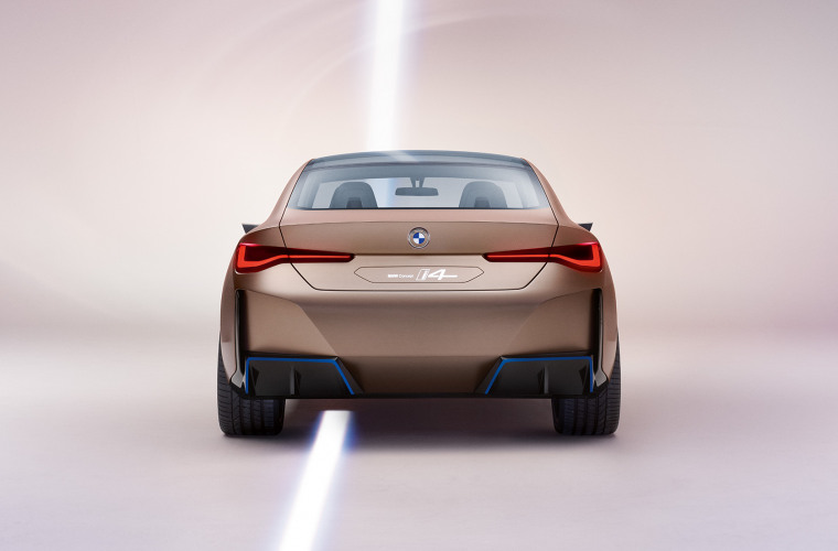 bmw-concept-i4-highlights-mg-exterior-interior-design-desktop-02.jpg