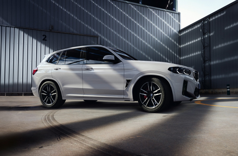 bmw-x3-m-automobiles-onepager-gallery-x3-m-core-wallpaper-03.jpg